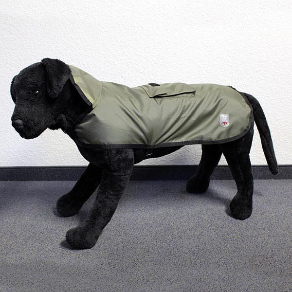 Hundemantel Eisbär   Regenmantel   Rain Coat Pocket Olive Rückenlänge ca. 85cm